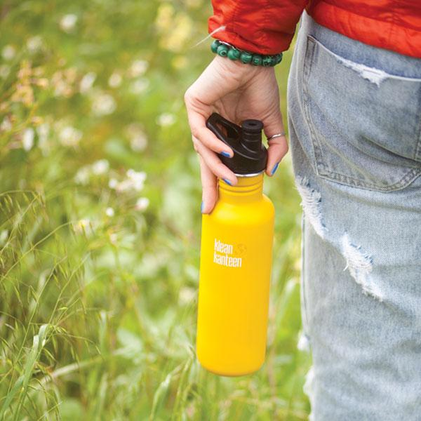 K27CPPS-LC-classic-water-bottle-hand-style_4f5bfe1d-5a3f-491e-a672-5cf0b4325207.jpg