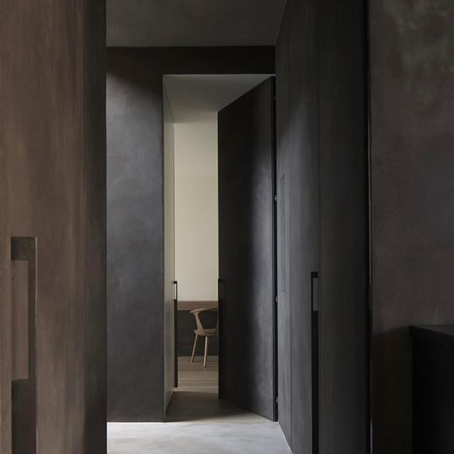 The obsession with moody textured spaces continues. Work by @k2a_architecture