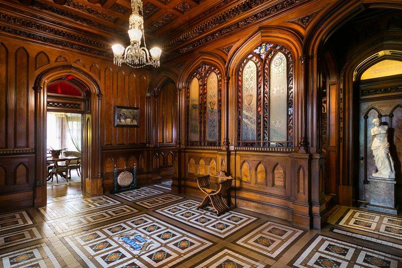 Larnach-Castle-Foyer.jpg