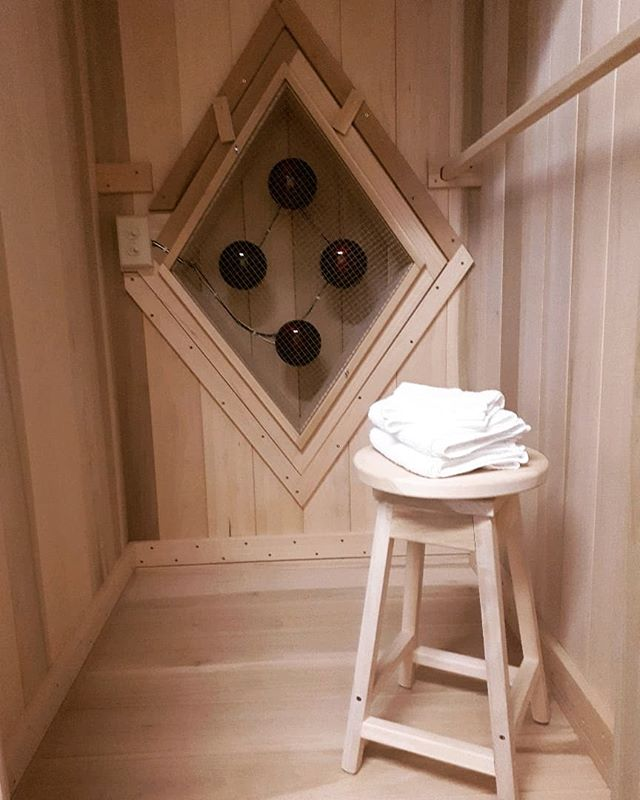 We are always looking for ways to encourage and help our patients to live the healthiest lives they can and we are excited to announce we have a second near infrared sauna set up for therapy at our clinic to allow for more available appointment times! Contact us to schedule a Sauna appointment or find out more about other services today! #redcanoenaturopathic #HuntsvilleON