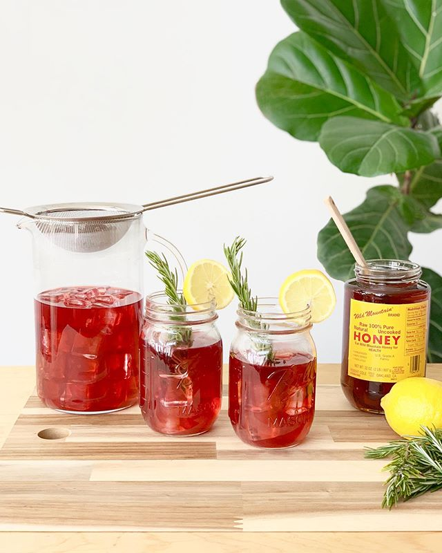 sweetened or unsweetened? 🙃 how do you like your iced tea? . 👇� let me know in the comments! . @highwirecoffee / @4track_tea iced tea recipe up on the blog 🌿 . BEYOND THE FEED / Link in profile�