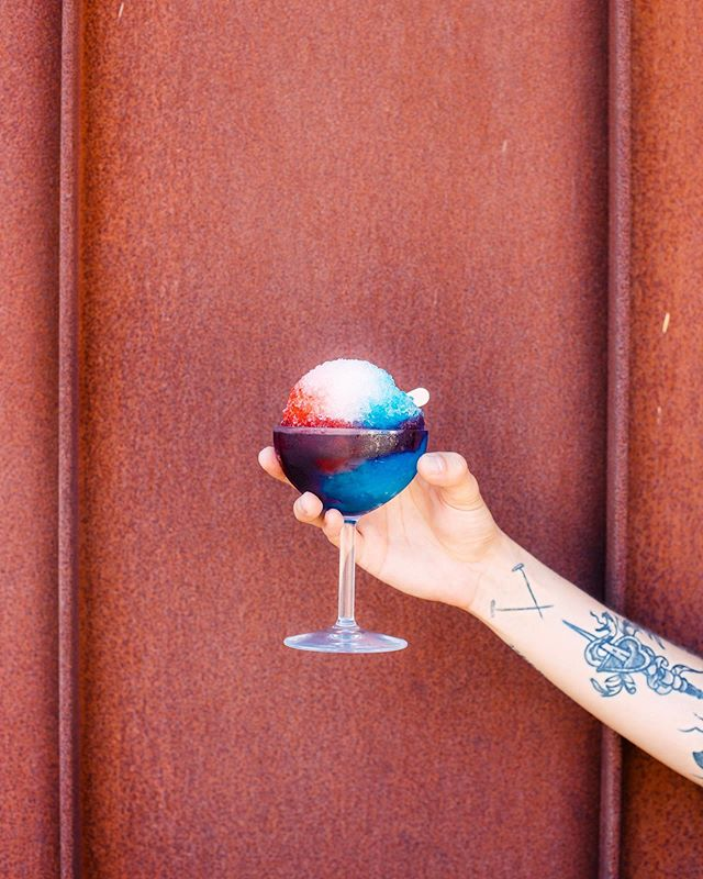 Beating the heat 🔥 with a boozy snow cone from @wexlersdeli �