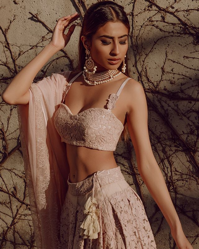 Dazzle them with earth tones this season!⠀⠀⠀⠀⠀⠀⠀⠀⠀ ⠀⠀⠀⠀⠀⠀⠀⠀⠀⠀⠀⠀⠀⠀⠀⠀⠀⠀ ⠀⠀⠀⠀⠀⠀⠀⠀⠀⠀⠀⠀⠀⠀⠀⠀⠀⠀ ⠀⠀⠀⠀⠀⠀⠀⠀⠀⠀⠀⠀⠀⠀⠀⠀⠀⠀ ⠀⠀⠀⠀⠀⠀⠀⠀⠀⠀⠀⠀⠀⠀⠀⠀⠀⠀ ⠀⠀⠀⠀⠀⠀⠀⠀⠀⠀⠀⠀⠀⠀⠀⠀⠀⠀ ⠀⠀⠀⠀⠀⠀⠀⠀⠀⠀⠀⠀⠀⠀⠀⠀⠀⠀ ⠀⠀⠀⠀⠀⠀⠀⠀⠀⠀⠀⠀⠀⠀⠀⠀⠀⠀ ⠀⠀⠀⠀⠀⠀⠀⠀⠀⠀⠀⠀⠀⠀⠀⠀⠀⠀ ⠀⠀⠀⠀⠀⠀⠀⠀⠀⠀⠀⠀⠀⠀⠀⠀⠀⠀ ⠀⠀⠀⠀⠀⠀⠀⠀⠀⠀⠀⠀⠀⠀⠀⠀⠀⠀ ⠀⠀⠀⠀⠀⠀⠀⠀⠀⠀⠀⠀⠀⠀⠀⠀⠀⠀ ⠀⠀⠀⠀⠀⠀⠀⠀⠀⠀⠀⠀⠀⠀⠀⠀⠀⠀ ✨Model @tyagii_ ⠀⠀⠀⠀⠀⠀⠀⠀⠀⠀⠀⠀⠀⠀⠀⠀⠀⠀ ✨ Photo @dustingenereux ⠀⠀⠀⠀⠀⠀⠀⠀⠀⠀⠀⠀⠀⠀⠀⠀⠀⠀ ✨Mua @jasmin__rahman ⠀⠀⠀⠀⠀⠀⠀⠀⠀⠀⠀⠀⠀⠀⠀⠀⠀⠀ ✨Designer @thelittleblackbowofficial ⠀⠀⠀⠀⠀⠀⠀⠀⠀⠀⠀⠀⠀⠀⠀⠀⠀⠀ ✨Boutique @terra_inde ⠀⠀⠀⠀⠀⠀⠀⠀⠀⠀⠀⠀⠀⠀⠀⠀⠀⠀ ✨ jewelry @kaurtoorboutique  #houstonmakeupartist #houstonbloggers #houstonmua #phillyblogger #texasblogger #nycmua #lamakeupartist #njmakeupartist #jasminrahmanmua #jasminrahman #browngirlmag #southasianfashion #southasianmodels #models #fashion #fashiondiaries #beautyblogger #southasianbeauty #instafashion #fashionshoot #lehengacholi #beauty #makeup #makeupartist #makeupaddict #makeupoftheday #terra_inde