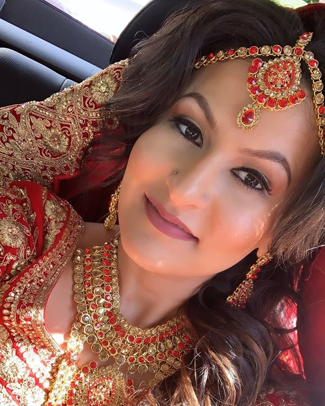 I literally never post selfies on my feed but May bride @ratixo just captured her pre-ceremony glow so perfectly 😫💖🔥 ⠀⠀⠀⠀⠀⠀⠀⠀⠀ ⠀⠀⠀⠀⠀⠀⠀⠀⠀ ⠀⠀⠀⠀⠀⠀⠀⠀⠀ #houstonmakeupartist #houstonbloggers #houstonmua #phillyblogger #texasblogger #nycmua #lamakeupartist #njmakeupartist #jasminrahmanmua #jasminrahman #browngirlmag #brides #bridal #bridalmakeup #bridalmua #southasianbridal #southasianbrides #weddingmakeupartist #weddingmakeup #weddingbeauty #undiscovered_muas #makeupartistsworldwide #discovermuas #underratedmuas #makeupbyme