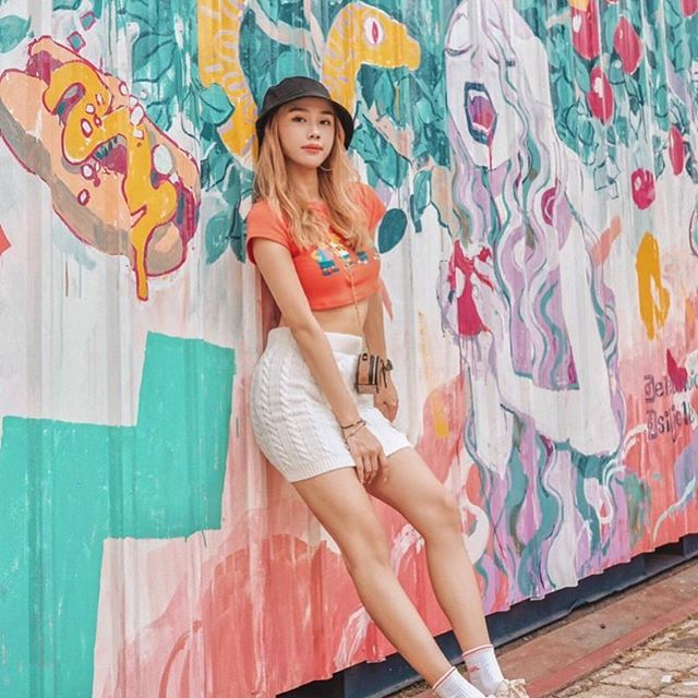 FINAL CALL‼️ It's the final week that our murals will be up at Sunway City, and your last chance to enter the lucky draw to win yourself a pair of flight tickets and camera! @jestinna's took her shot, time for you to get yours! • #artbox2019
