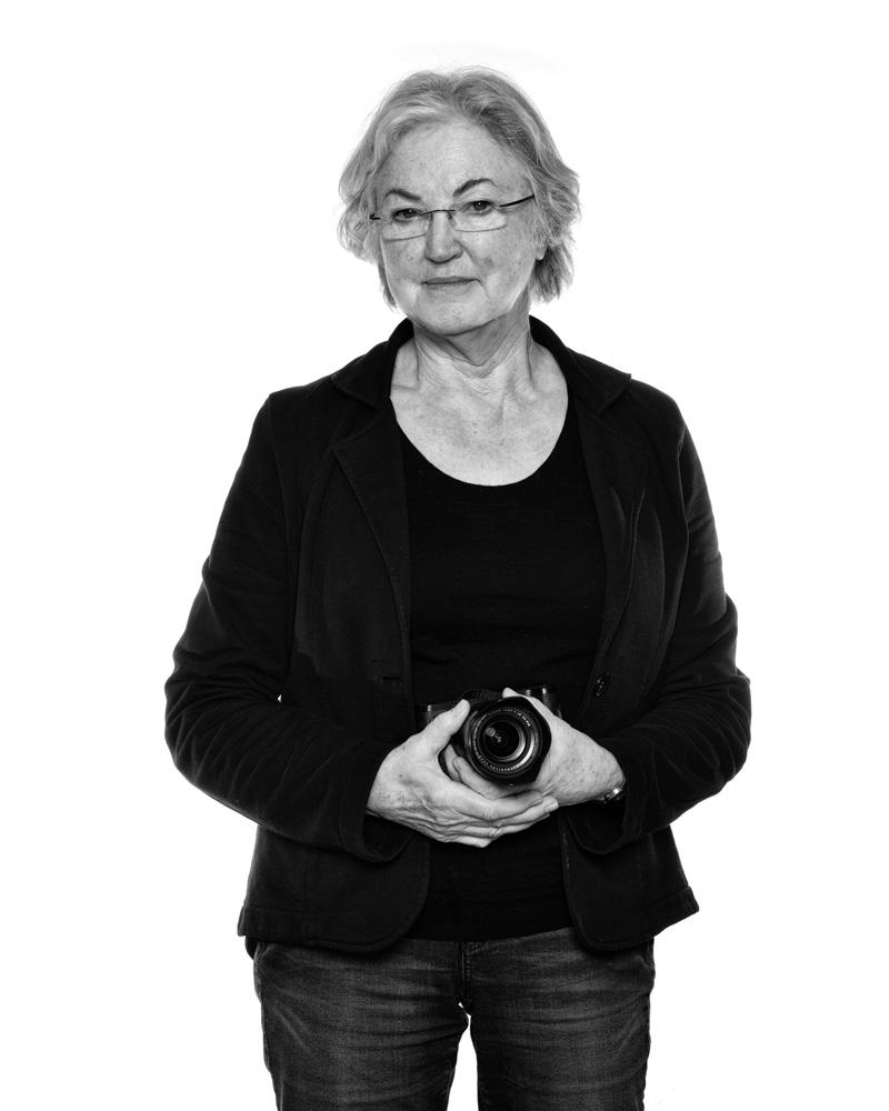 Marie Louise van Zeijst   https://www.kunstenaarsapart.nl/kunstenaars/marie-louise-van-zeijst/
