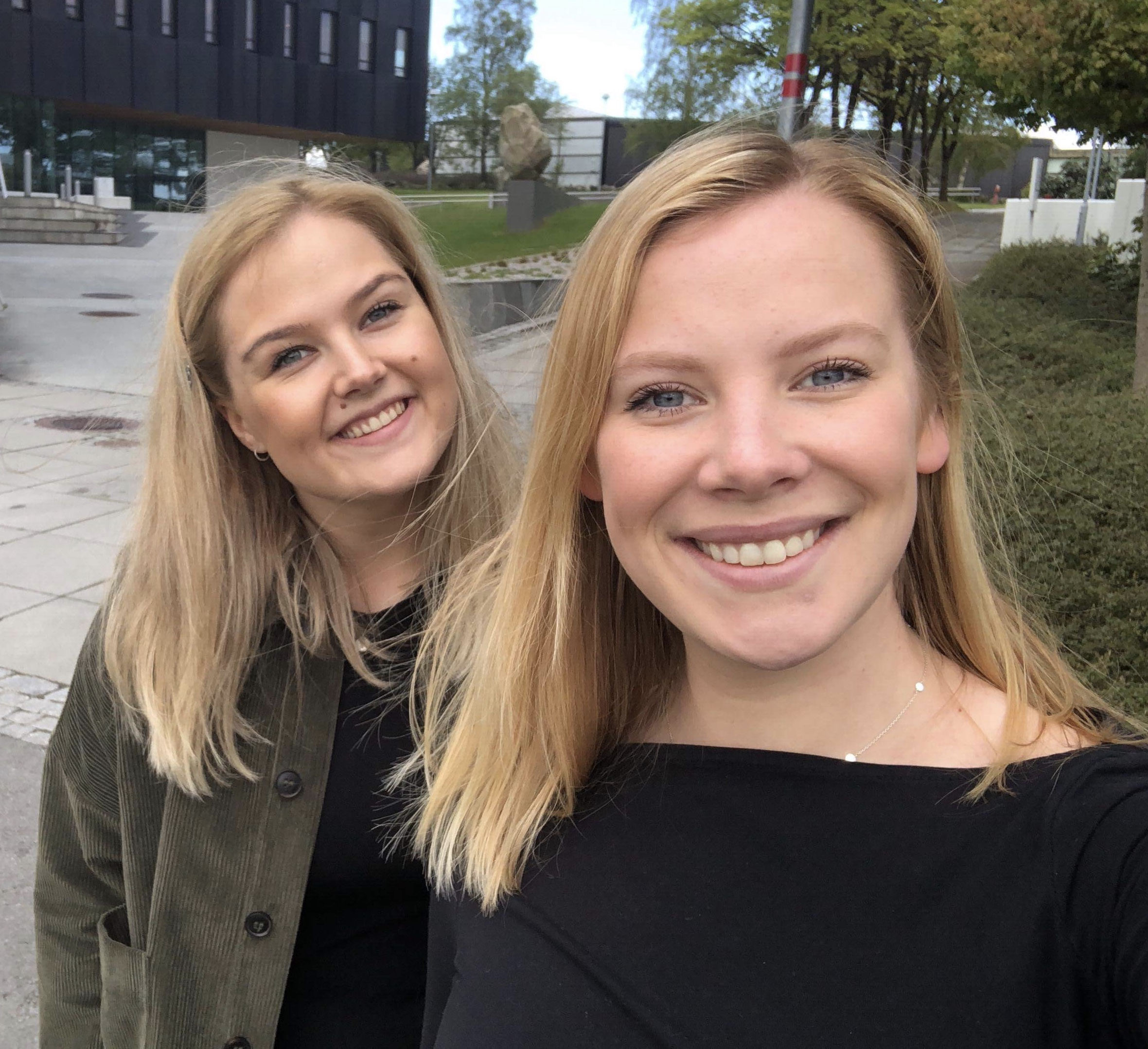 Viktoria Opsahl og Lizelle Haugland.