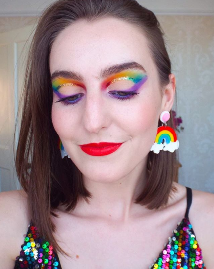 Rainbow glitter eye makeup look by @makeupbyannierose