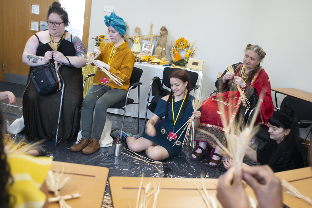 Participants in Victoria Musson's workshop. Photo © Sara Hannant.