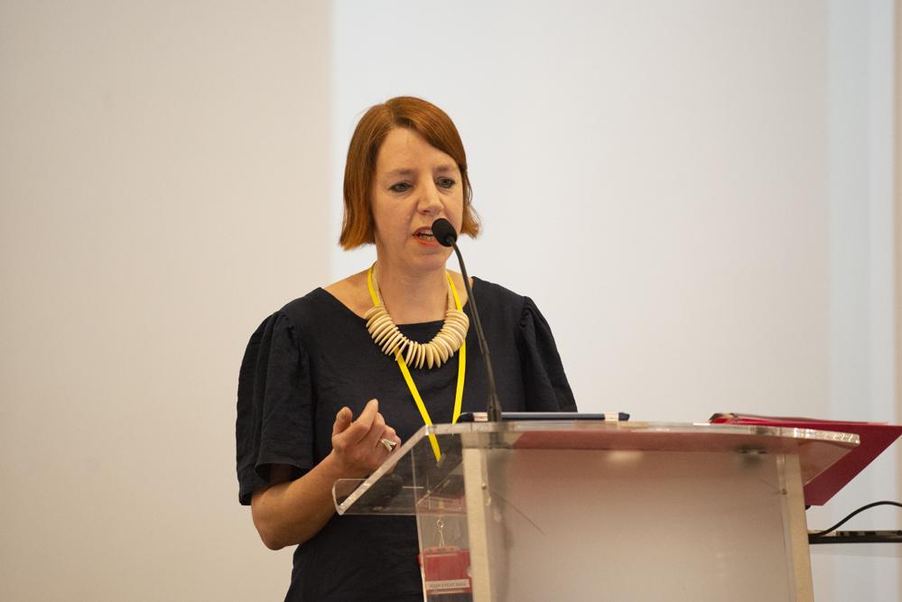 Speaker Sharon Krauss. Photo © Sara Hannant.