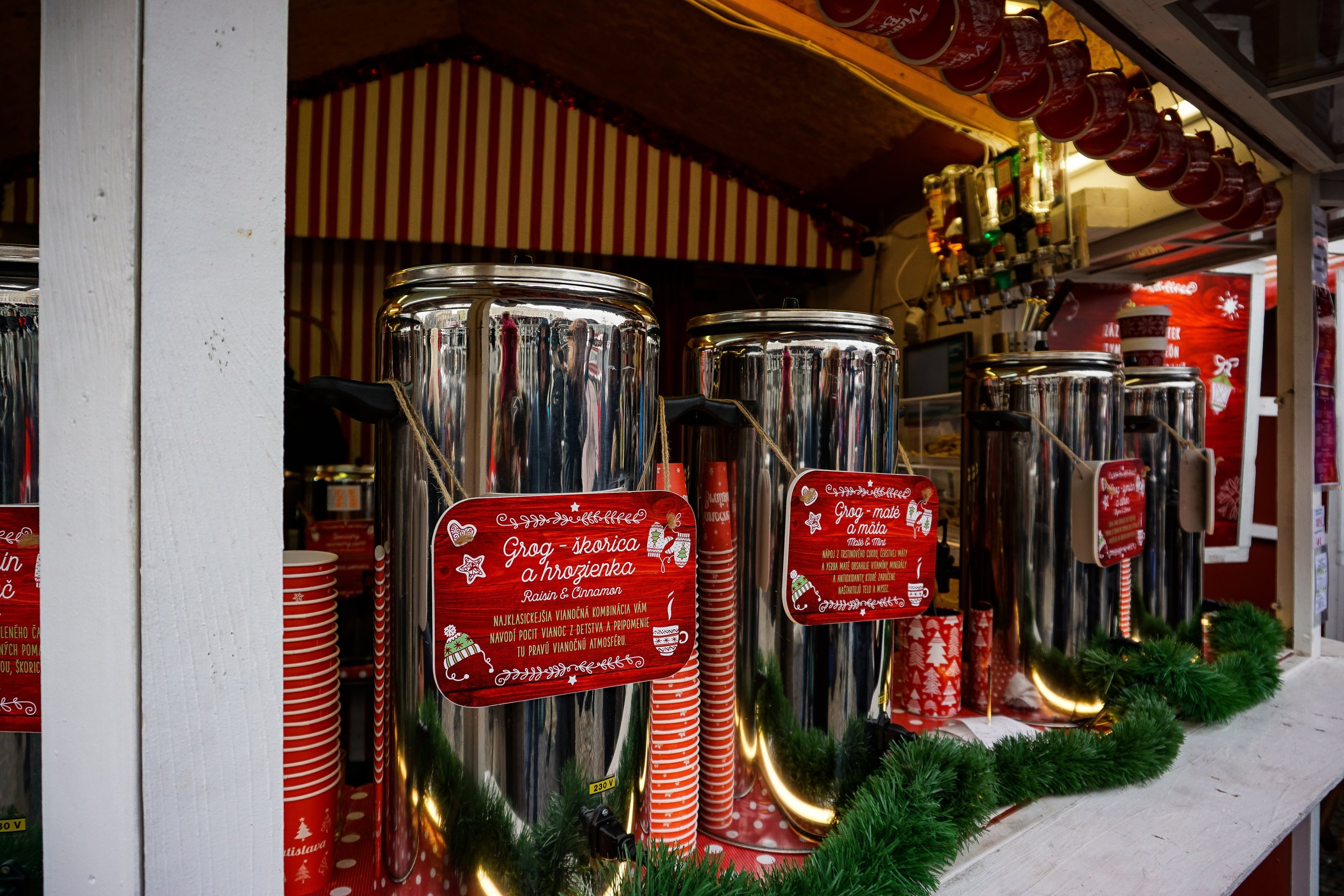 Mulled wine, grog, punč - whatever you want, the markets have it!