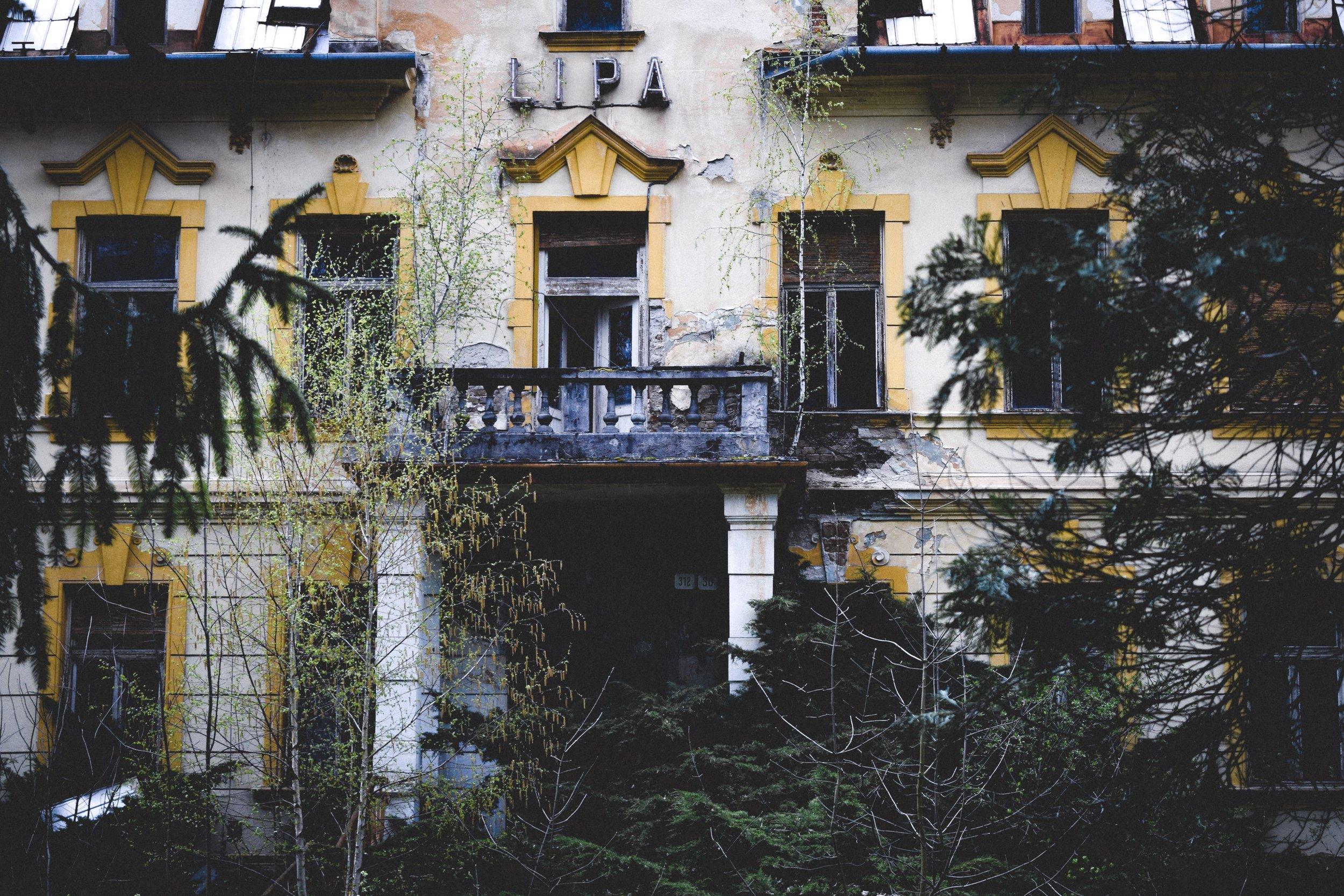 The decaying memory of Trenčianske Teplice -