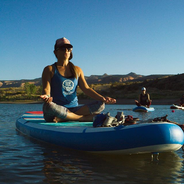 . One of the best things about Colorado is the weather and still being able to do SUP Yoga even as the seasons change! ☀️🧘🏽‍♀️🤸🏾‍♂️ . Ever wanted to try SUP Yoga? Or already a lover of SUP yoga? . Join @grandjunctionstanduppaddle and Elizabeth Fortushniak-Stover at the @grandvalleyyogafest for a fun SUP yoga class on Saturday. This class is for everyBODY 🤗💜 . Class will be held at Riverbend Park Lake. And there will be a shuttle between the Palisade HS and the park. Meet in front of HS at 1:00pm. See website for full schedule 🤸🏾‍♂️🧘🏽‍♀️ . 100% of proceeds donated to Suicide Awareness Programs in the Grand Valley . 📸 @grandjunctionstanduppaddle . . #grandvalleyyogafest #subaru #iamGJ #shareGJ #yoga #yogaformentalhealth #suicideawareness #connect #fun #community #westslopebestslope #palisade #fruita #grandjunction #grandvalley #bethechange #sup #supyoga #colorado #coloradoyogi 🧘🏽‍♀️
