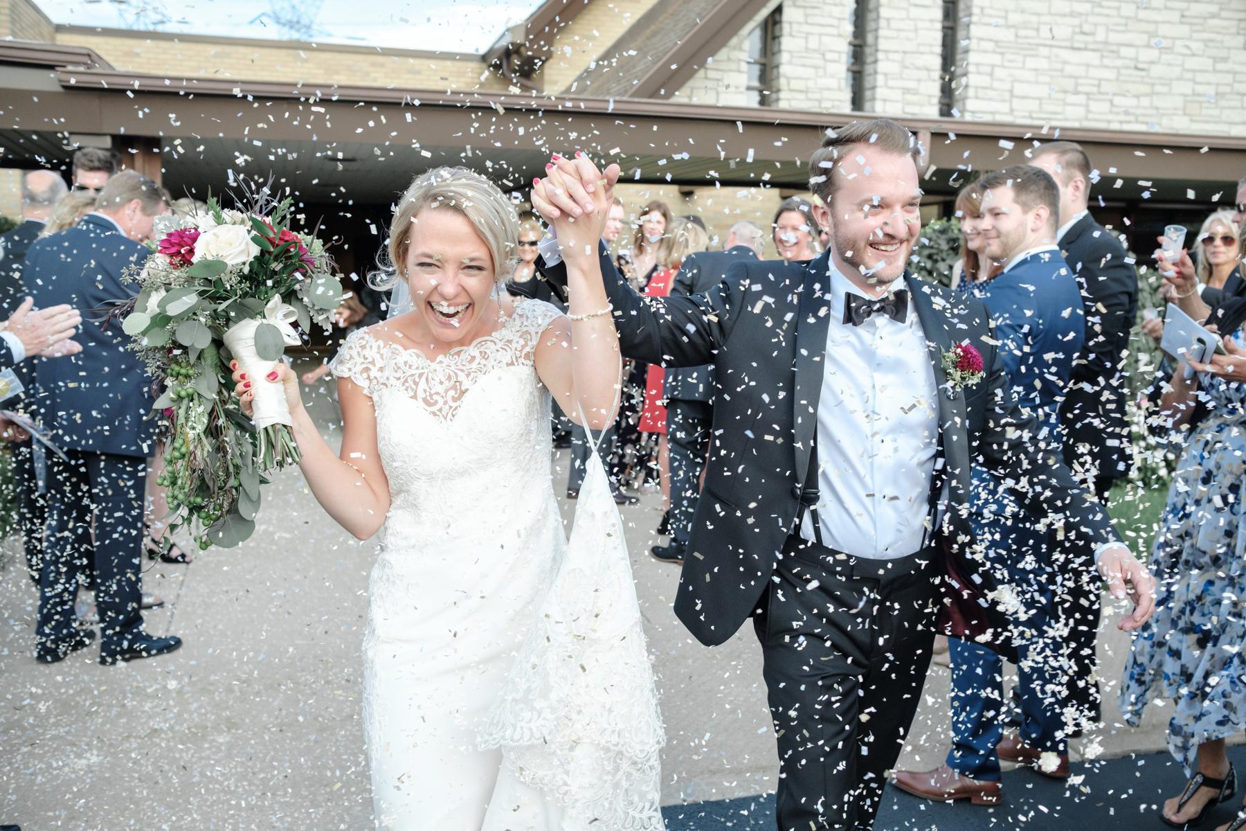 2017_BAP_KalliMatt_Gleneagles_CountryClub_Lemont_Wedding-51.jpg