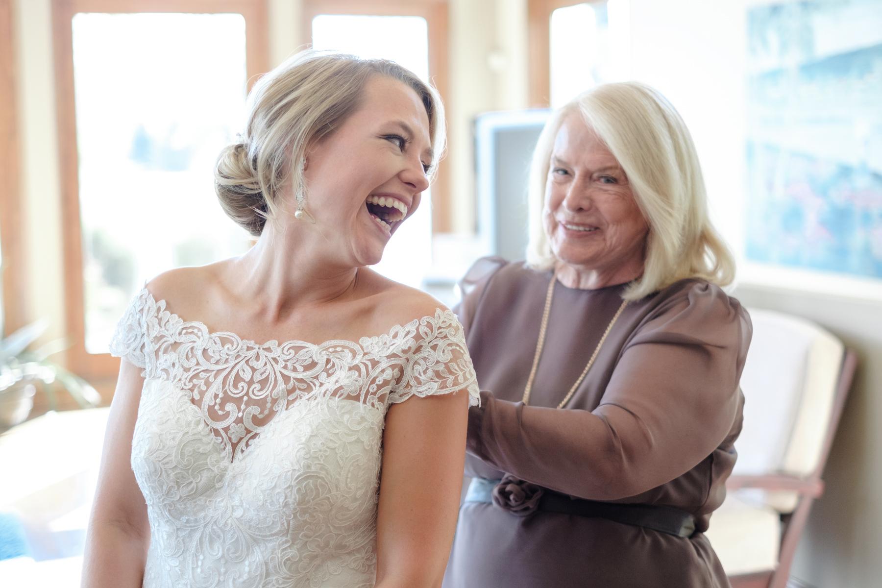2017_BAP_KalliMatt_Gleneagles_CountryClub_Lemont_Wedding-17.jpg
