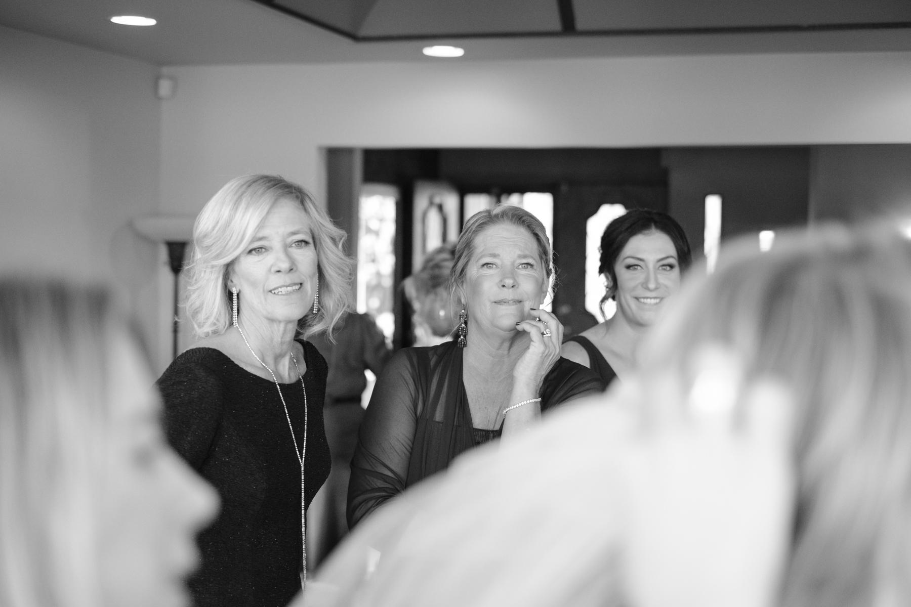 2017_BAP_KalliMatt_Gleneagles_CountryClub_Lemont_Wedding-20.jpg