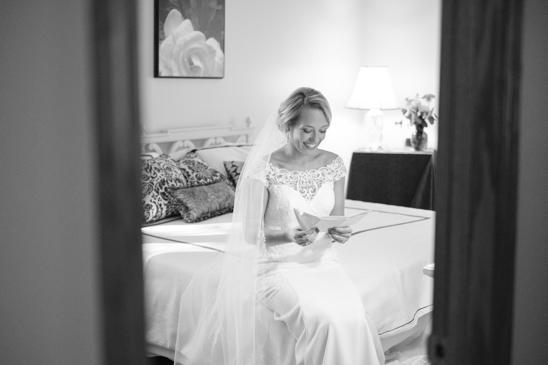 2017_BAP_KalliMatt_Gleneagles_CountryClub_Lemont_Wedding-25.jpg