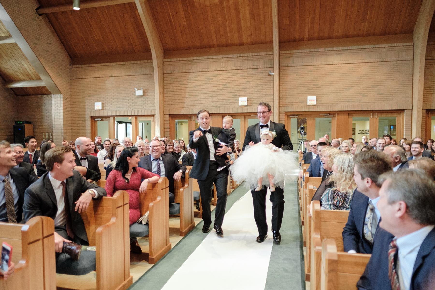 2017_BAP_KalliMatt_Gleneagles_CountryClub_Lemont_Wedding-33.jpg