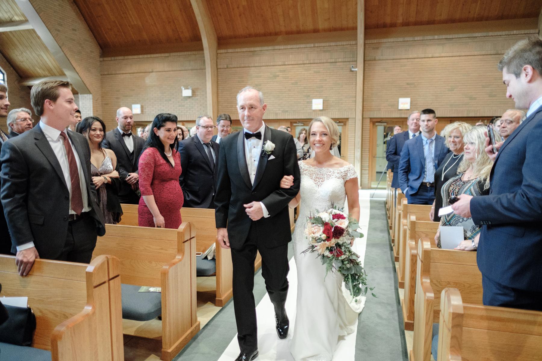 2017_BAP_KalliMatt_Gleneagles_CountryClub_Lemont_Wedding-36.jpg