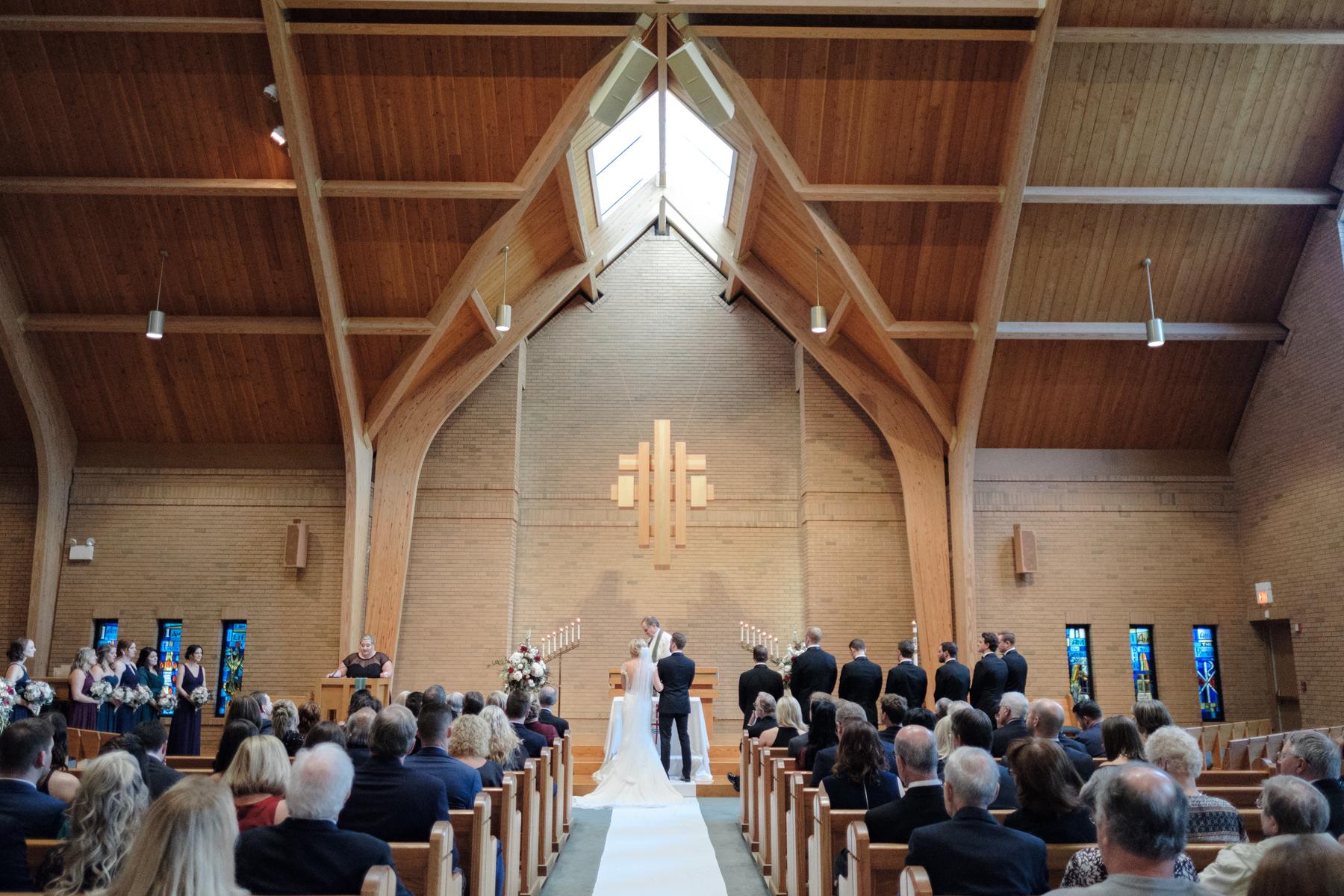 2017_BAP_KalliMatt_Gleneagles_CountryClub_Lemont_Wedding-38.jpg