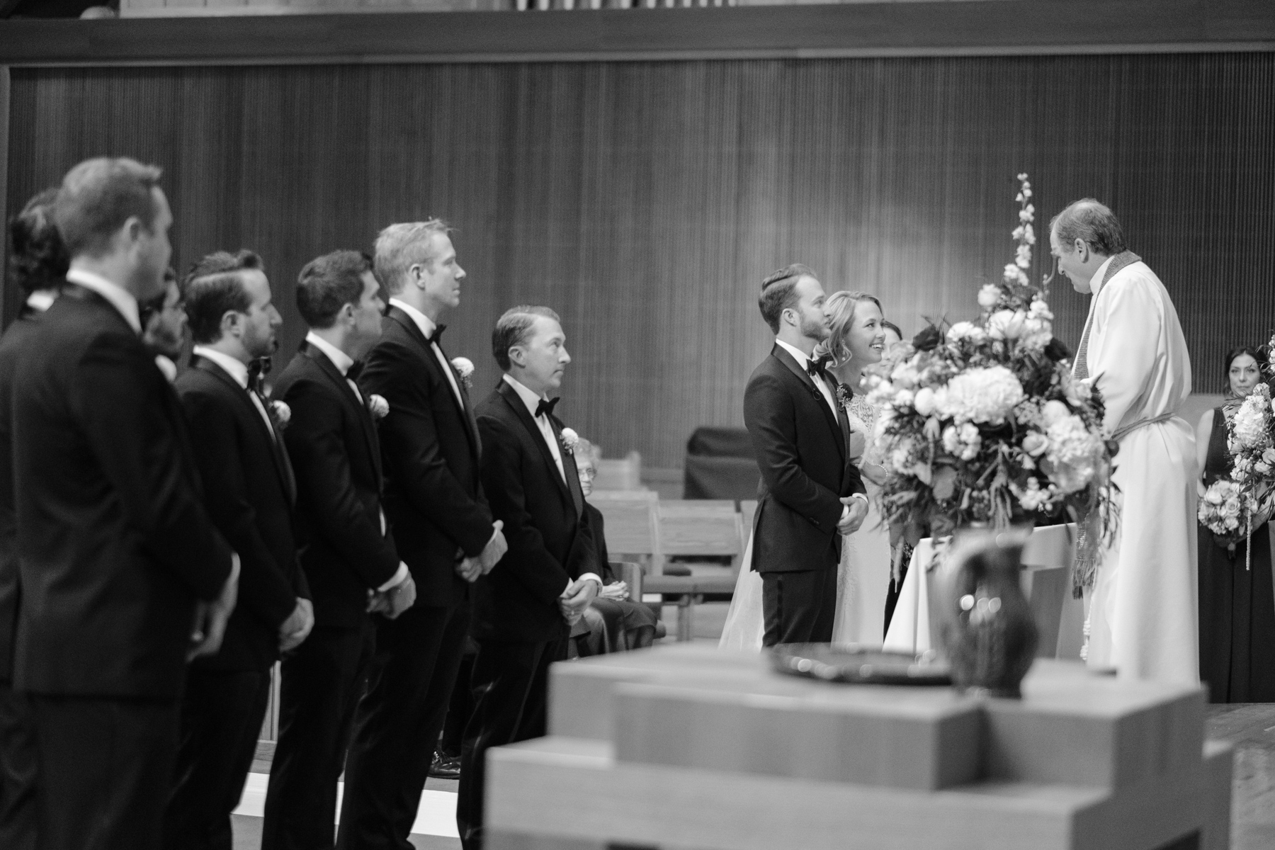 2017_BAP_KalliMatt_Gleneagles_CountryClub_Lemont_Wedding-41.jpg