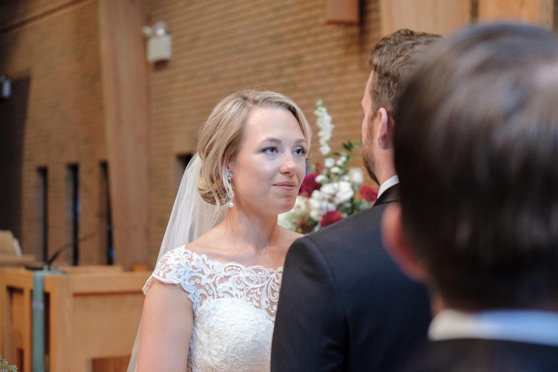 2017_BAP_KalliMatt_Gleneagles_CountryClub_Lemont_Wedding-44.jpg