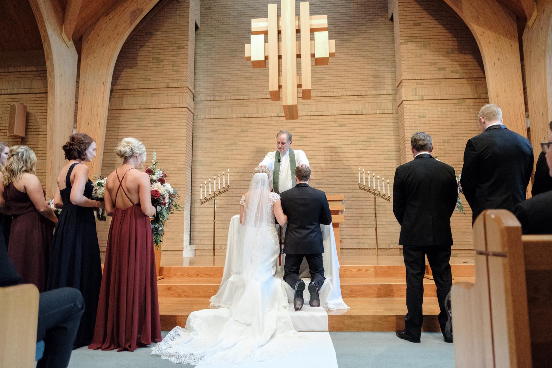 2017_BAP_KalliMatt_Gleneagles_CountryClub_Lemont_Wedding-46.jpg