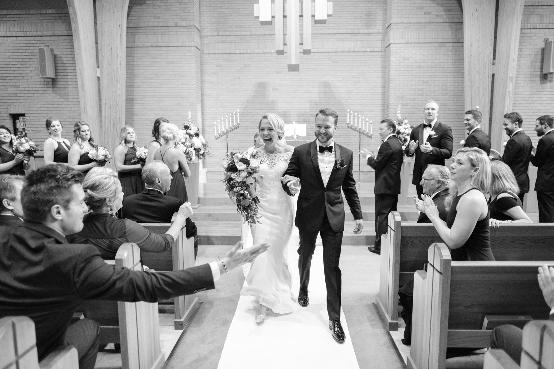 2017_BAP_KalliMatt_Gleneagles_CountryClub_Lemont_Wedding-48.jpg