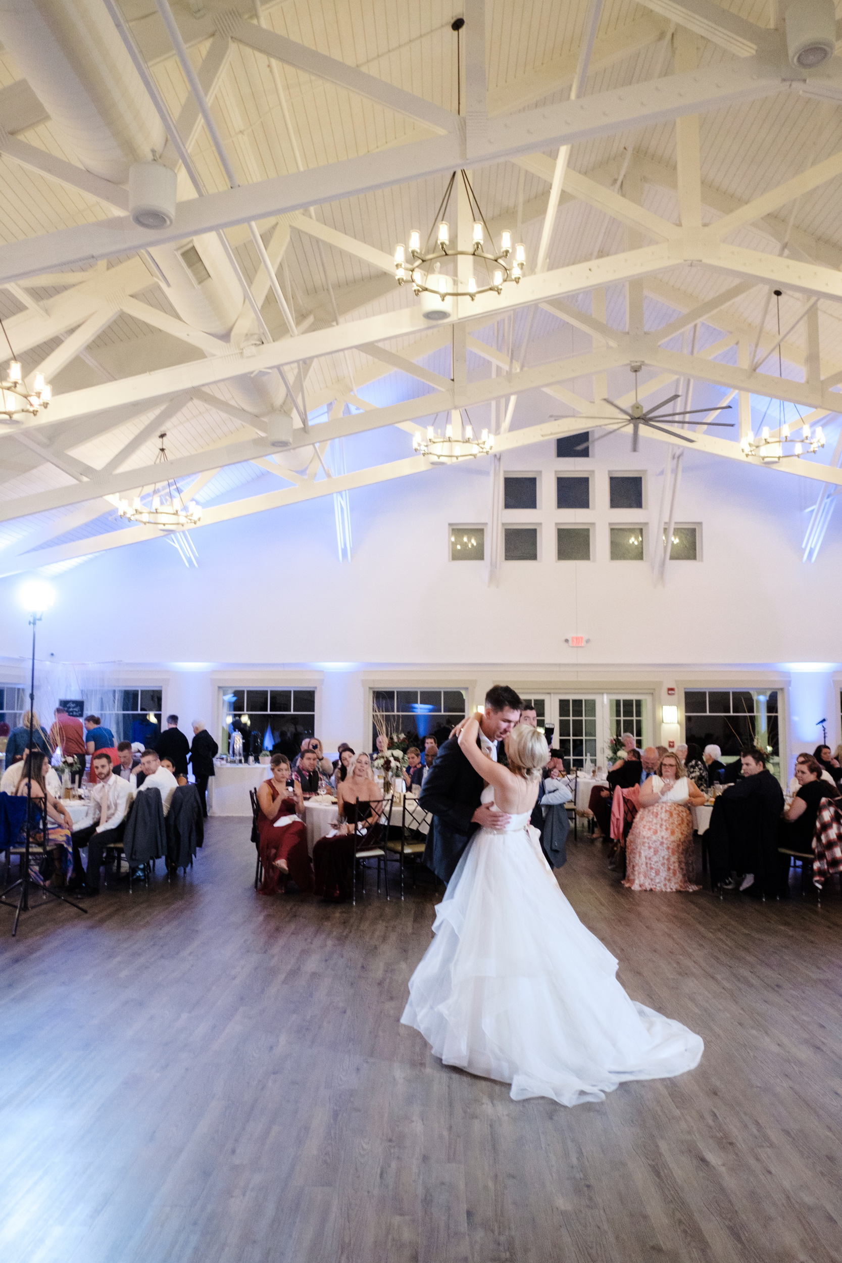 romantic first dance in Rockford, IL