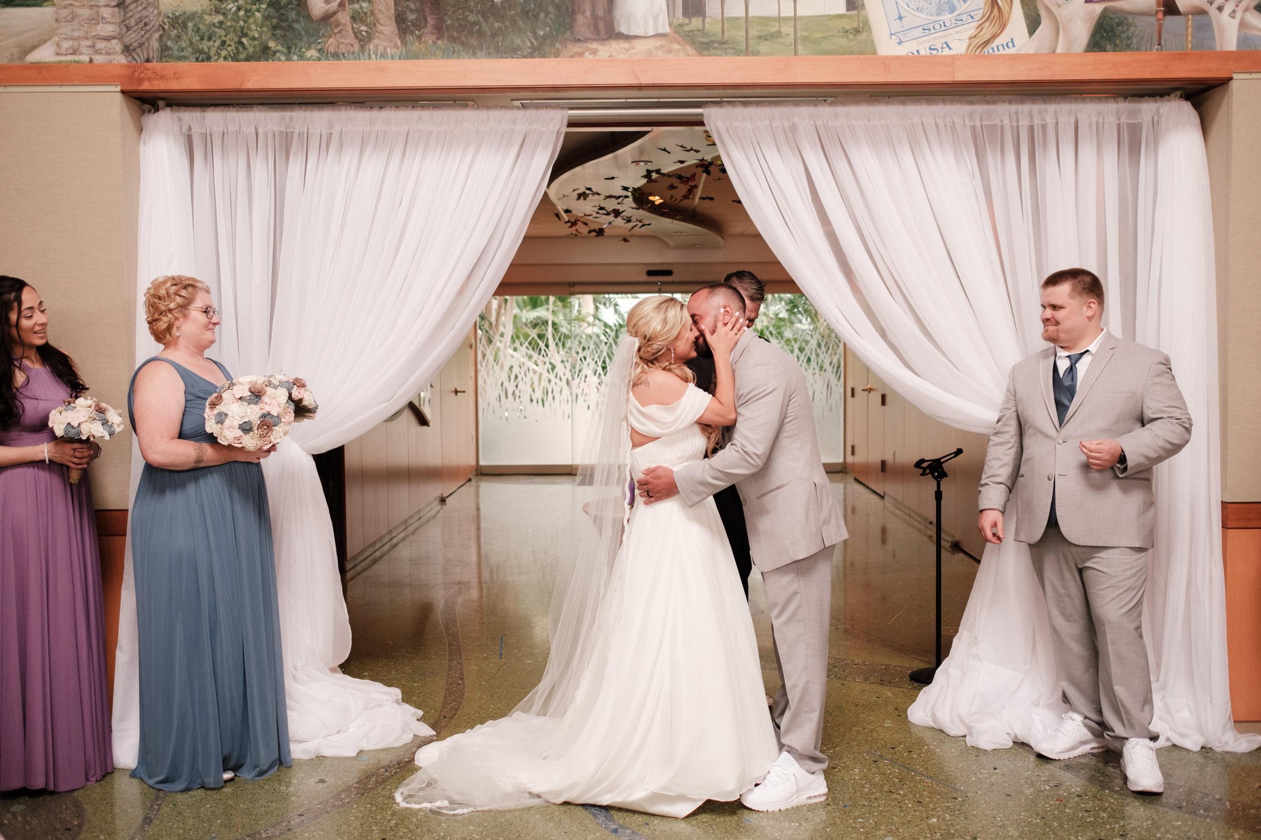 19-06-01 Megan Josh - Nicholas Conservatory Wedding-22.jpg