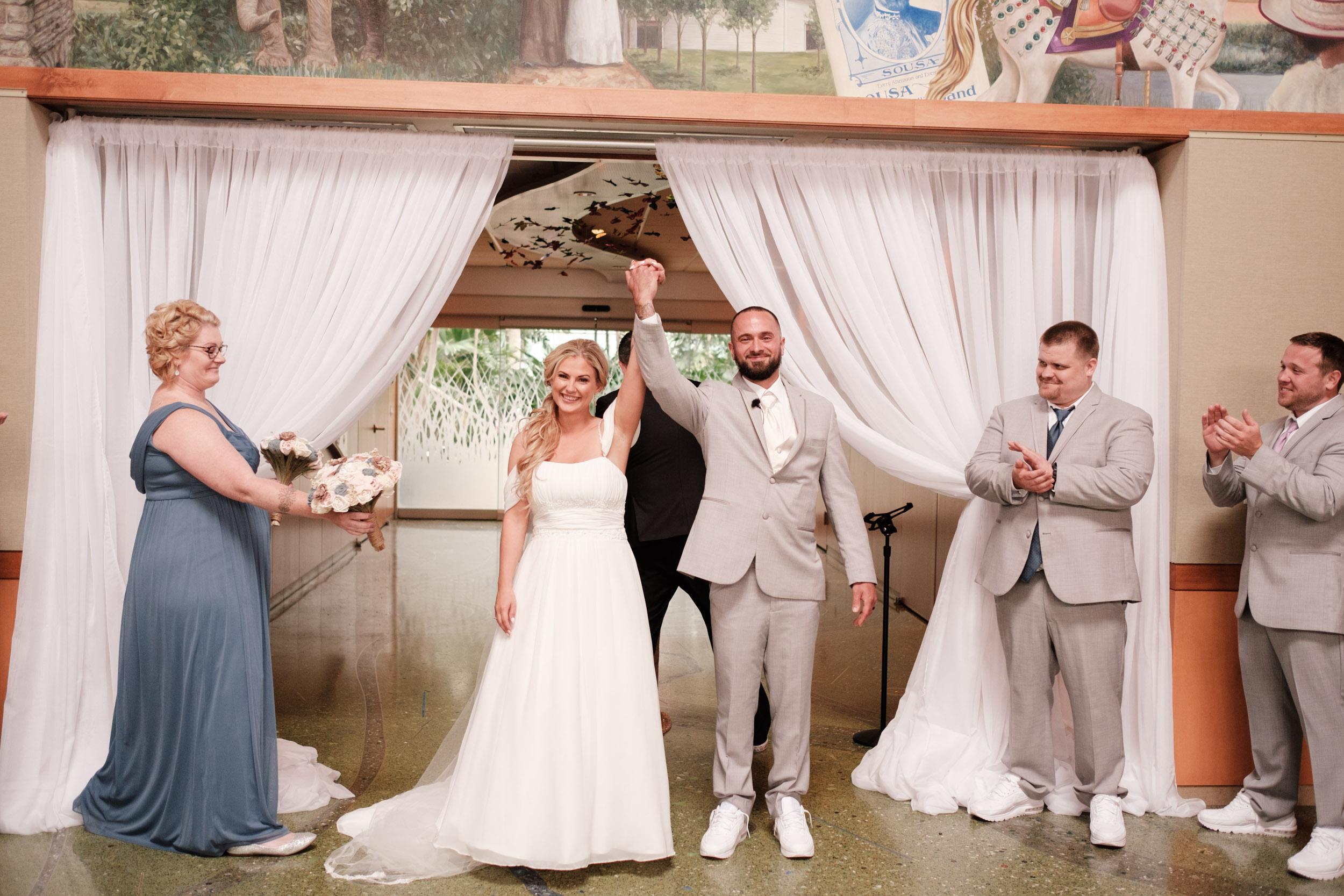 19-06-01 Megan Josh - Nicholas Conservatory Wedding-23.jpg