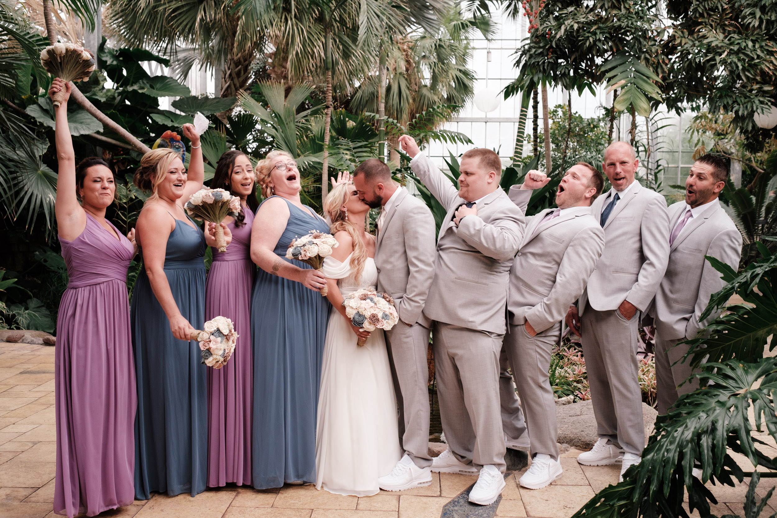 19-06-01 Megan Josh - Nicholas Conservatory Wedding-25.jpg