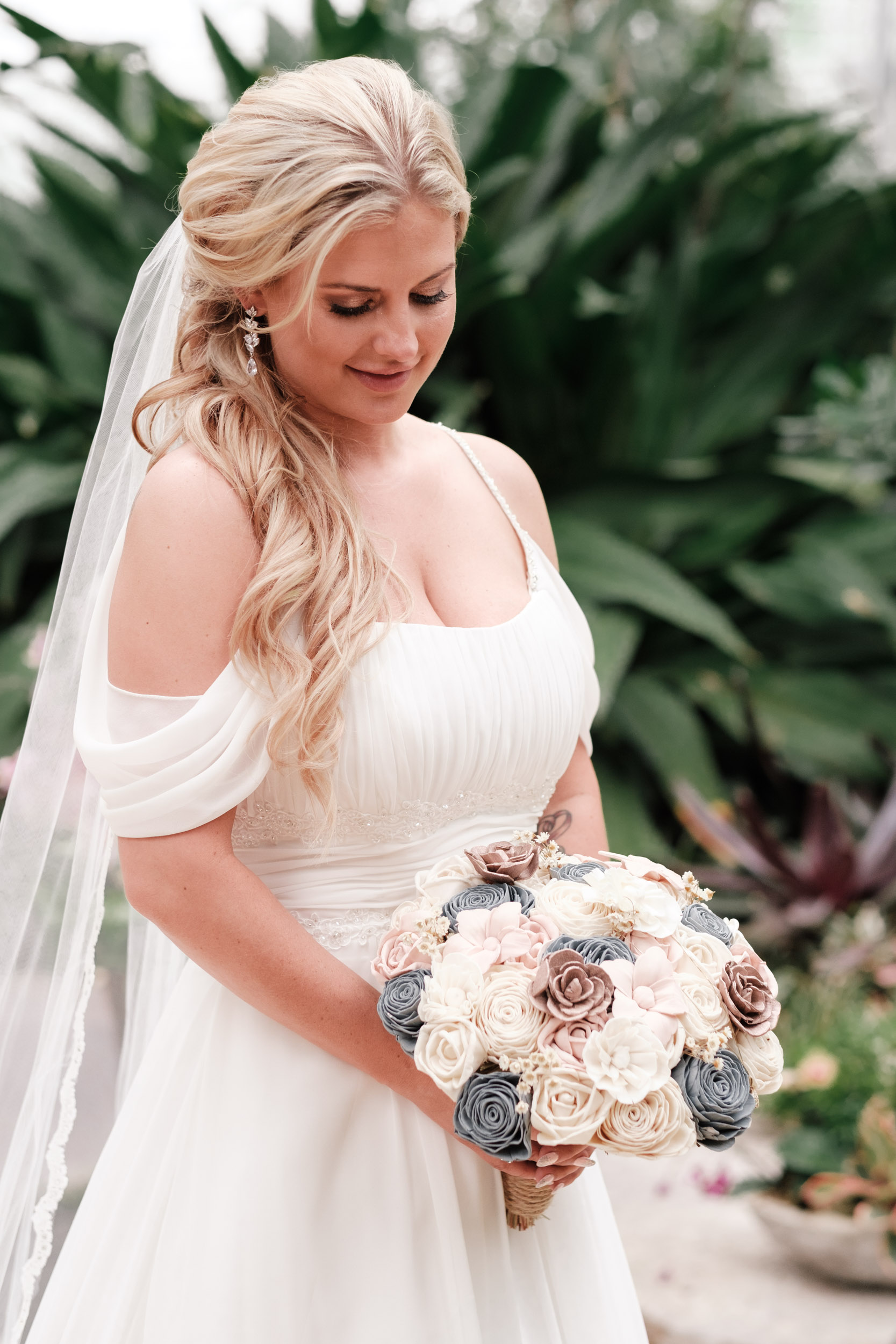 19-06-01 Megan Josh - Nicholas Conservatory Wedding-28.jpg