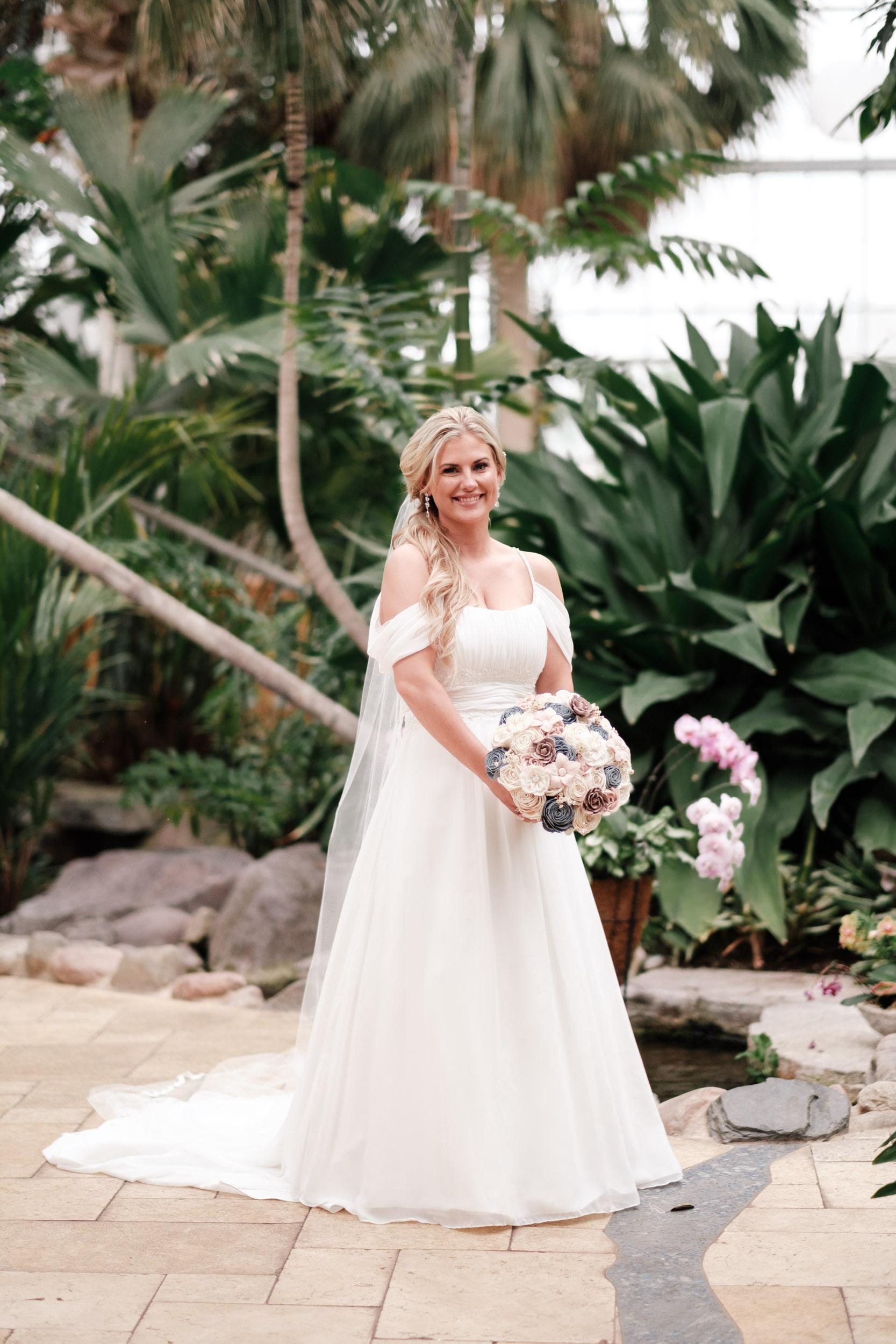 19-06-01 Megan Josh - Nicholas Conservatory Wedding-31.jpg