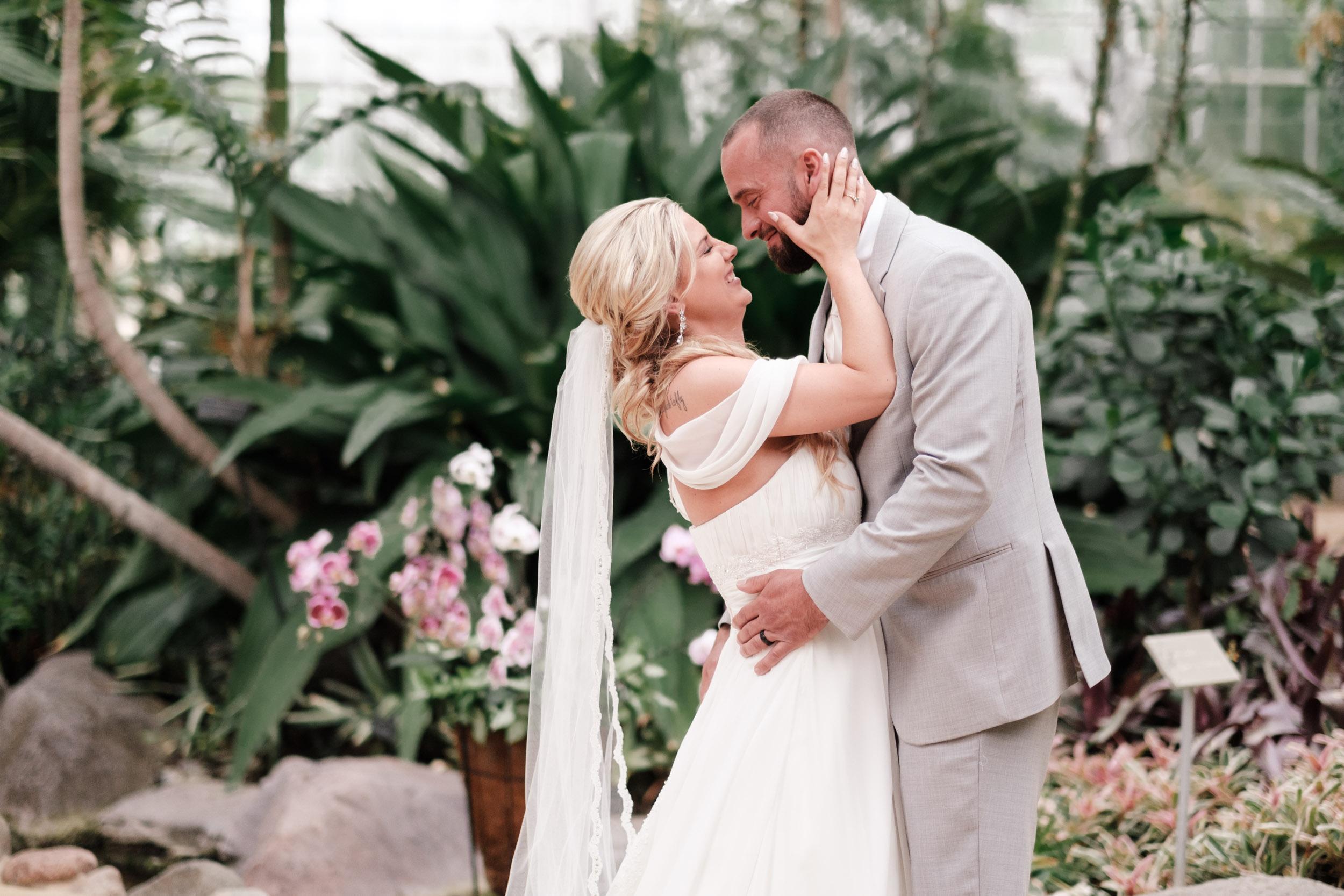 19-06-01 Megan Josh - Nicholas Conservatory Wedding-32.jpg