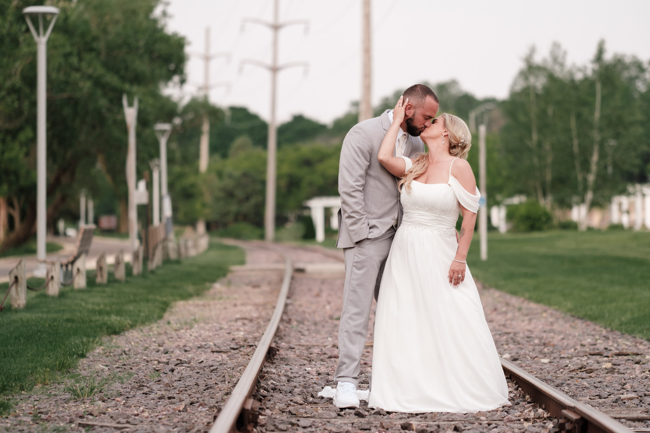 19-06-01 Megan Josh - Nicholas Conservatory Wedding-53.jpg