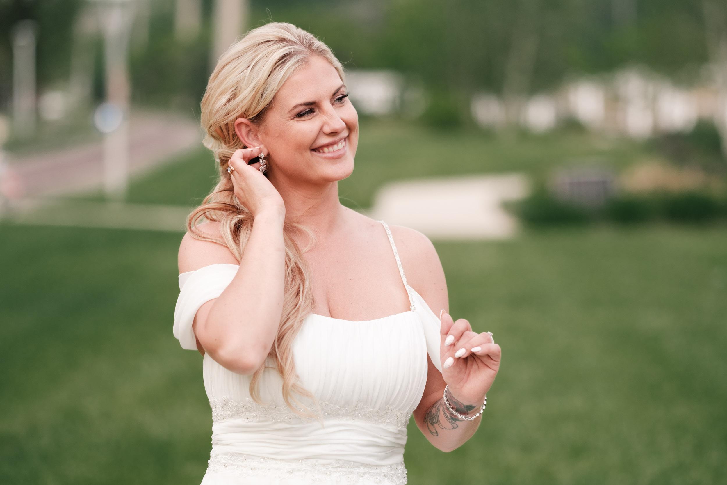 19-06-01 Megan Josh - Nicholas Conservatory Wedding-54.jpg