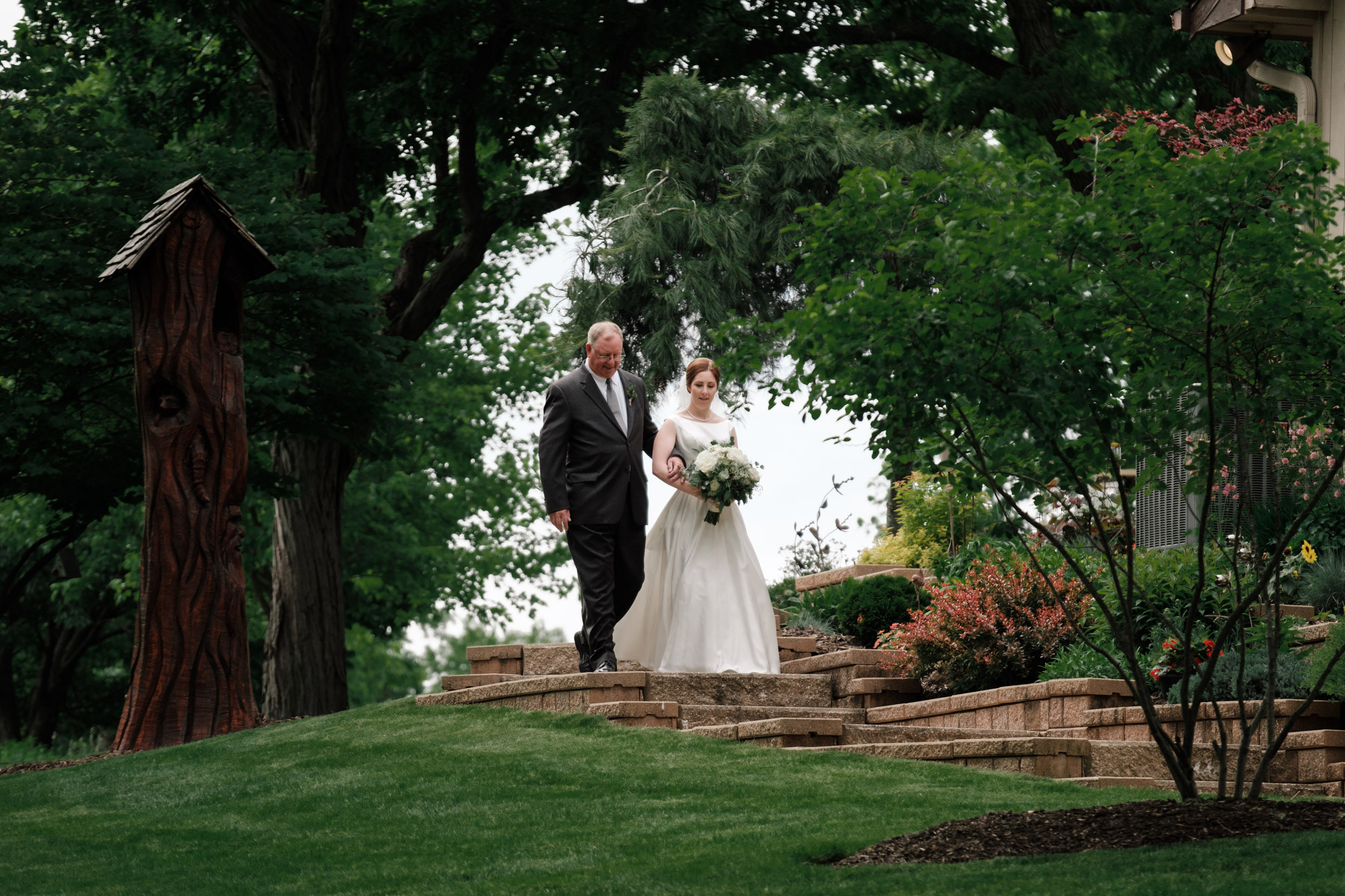19-06-08 Liz-Mike-Belvidere-Backyard-Wedding-39.jpg