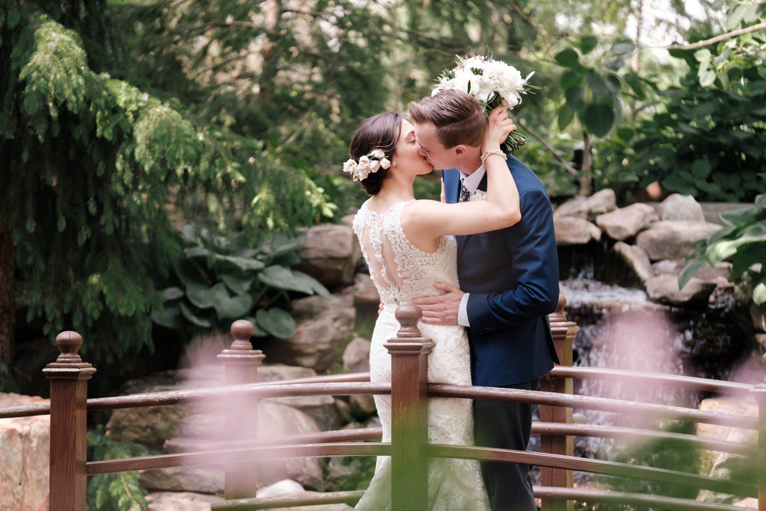 19-02 Paula Austin Megan Josh Weddings-8.jpg