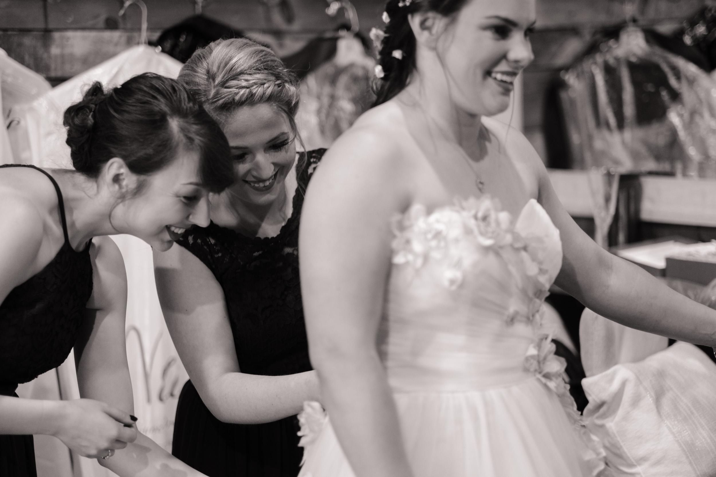 19-06-22-Ryan-Katie-The-Fields-Reserve-Wedding-10.jpg