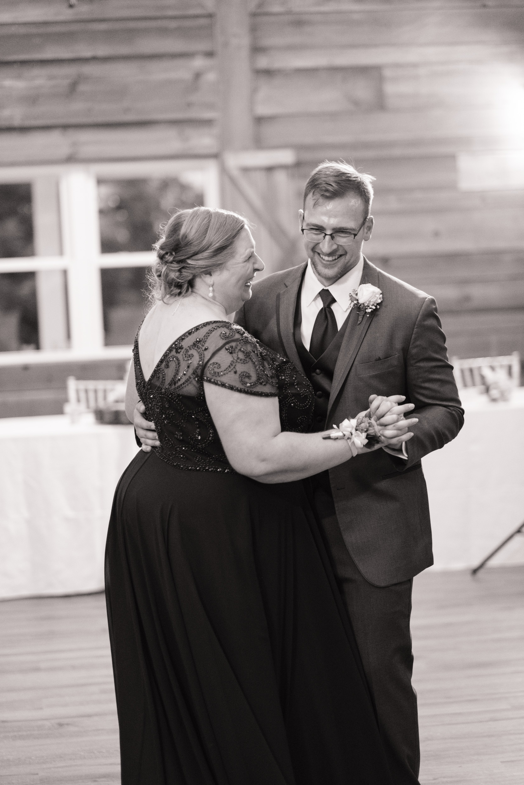 19-06-22-Ryan-Katie-The-Fields-Reserve-Wedding-81.jpg