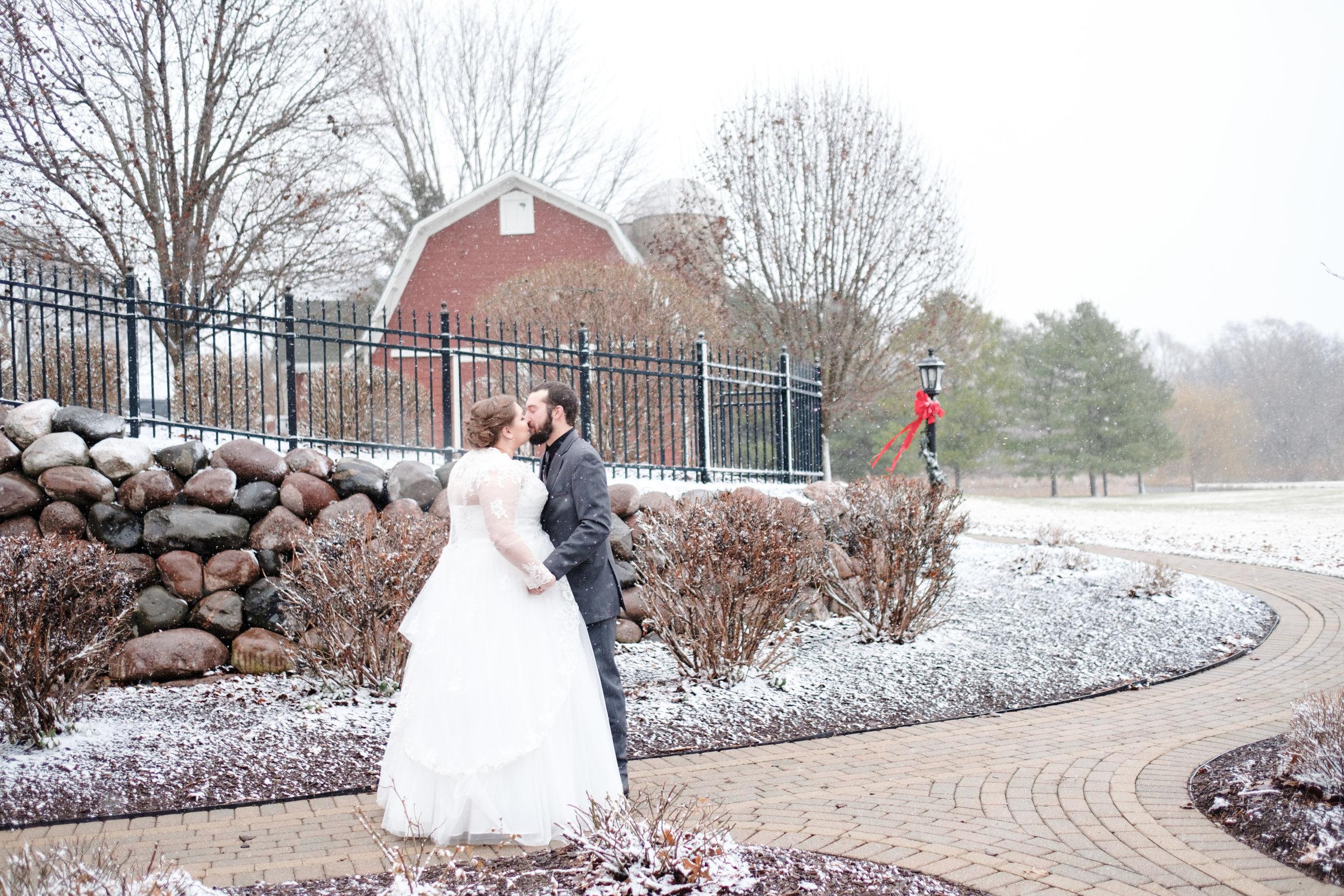 18-12-28 Corinne-Henry-Pavilion-Wedding-117.jpg