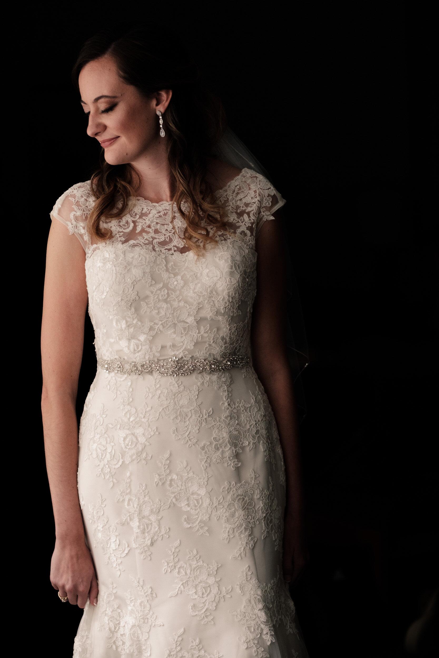Lindsey-Mike-DC-Estate-Wedding-Photographer-15.jpg