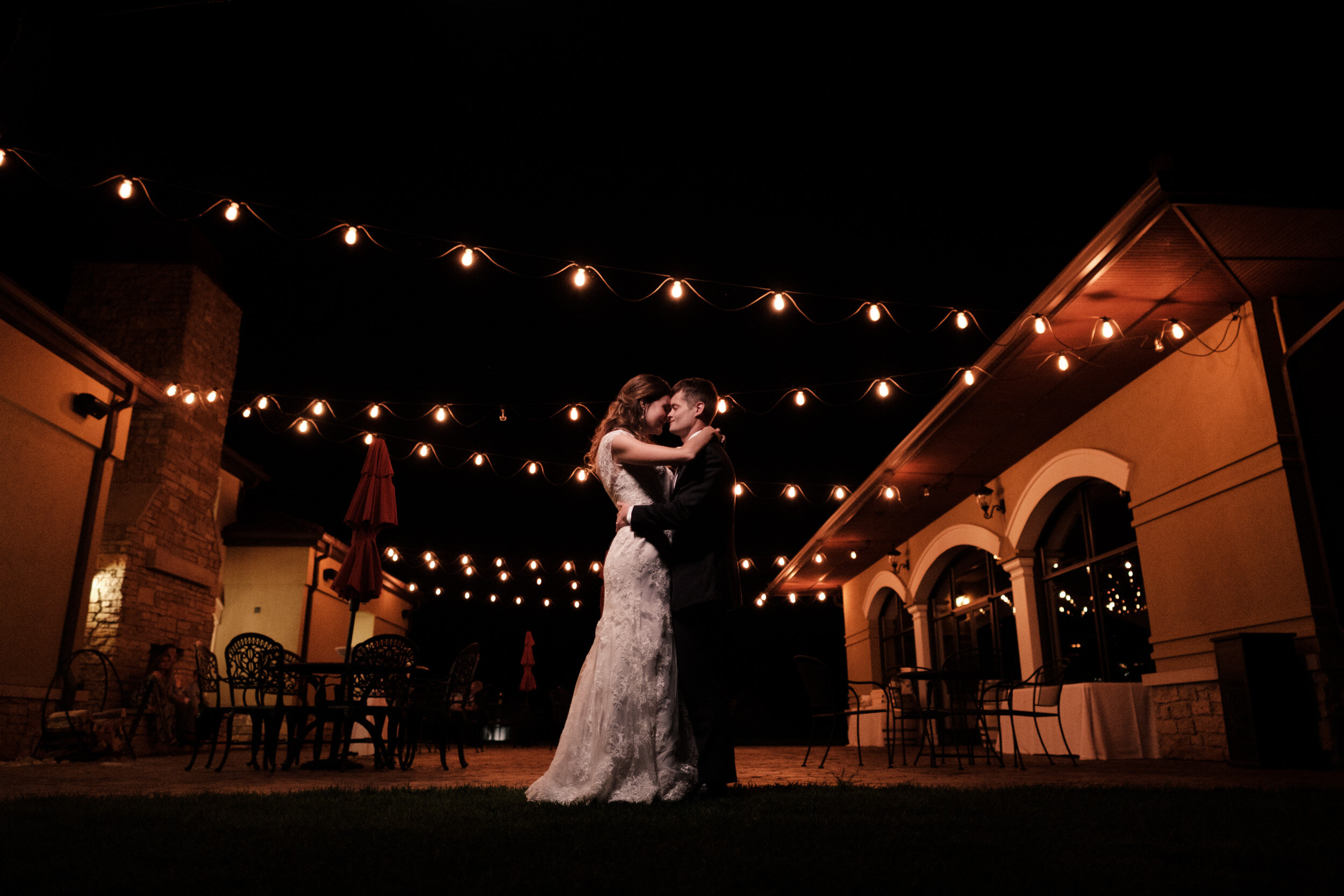 Lindsey-Mike-DC-Estate-Wedding-Photographer-109.jpg