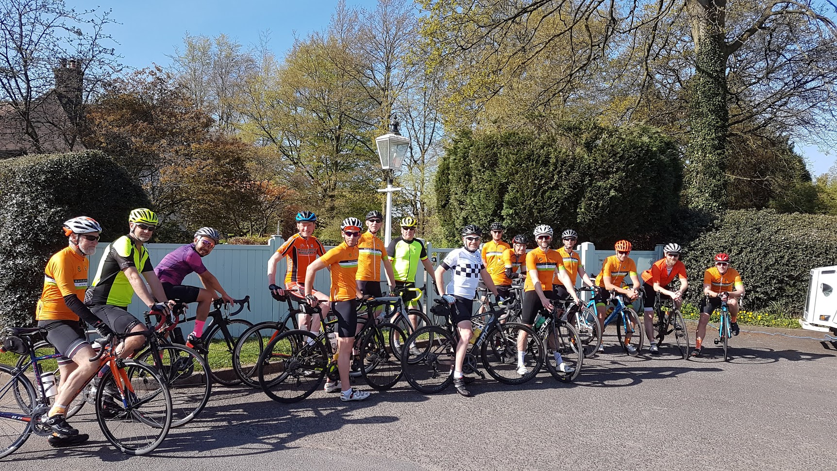 Larks and Larklings mingle in South Park with the casual disregard for rank and formality that has become a defining characteristic of these rides. L to R: Greg, Ewan, Bennet, Dave W, Christian, Eddie, Andrew, Pete, Ian, Steve, Elliot, Russell, Mark, Paul, Dave H.