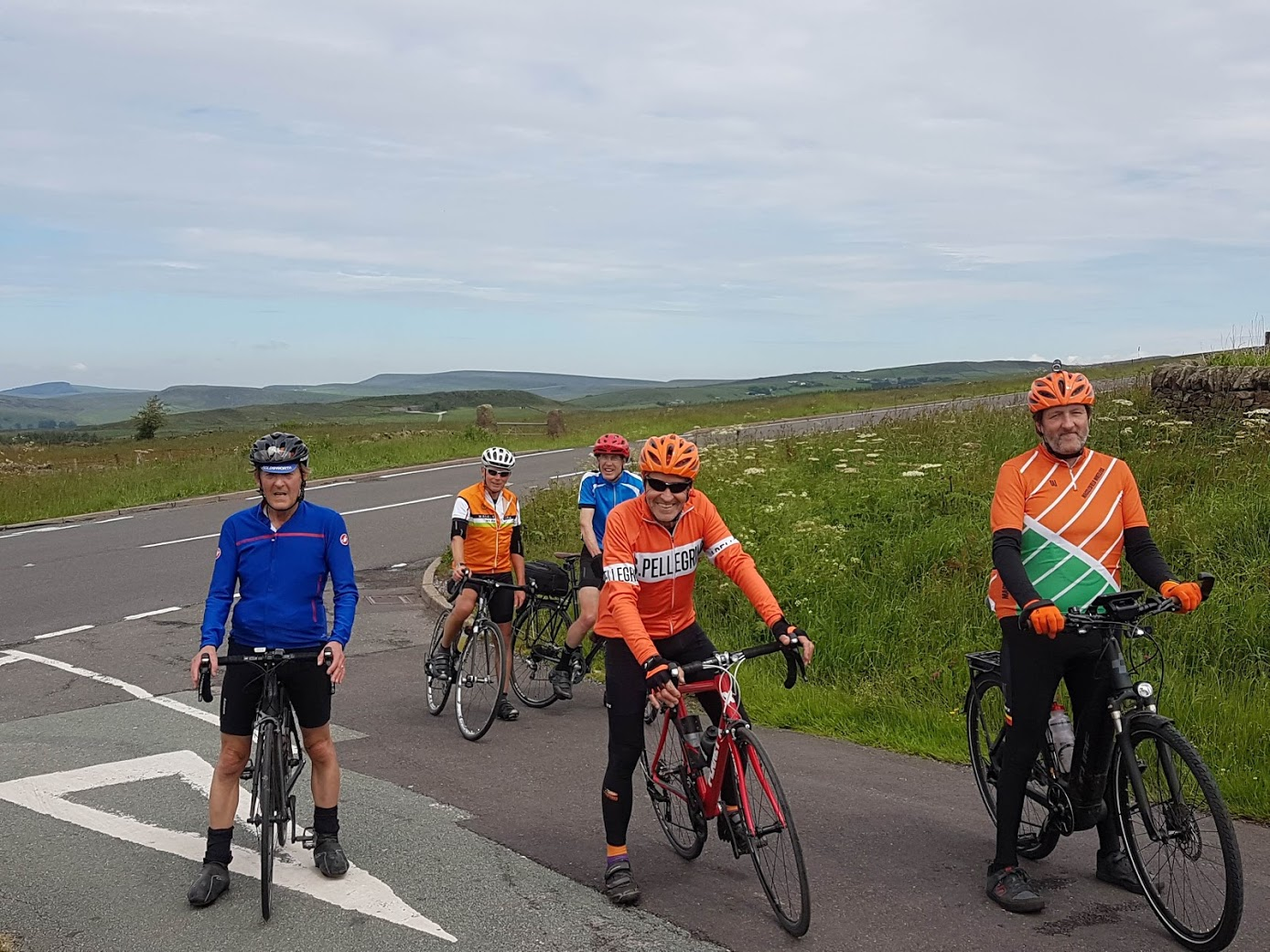 Dave, Moray, Raph, Andy, Simon at mile 11, with the iconic A53 behind us (and a few climbs ahead of us).