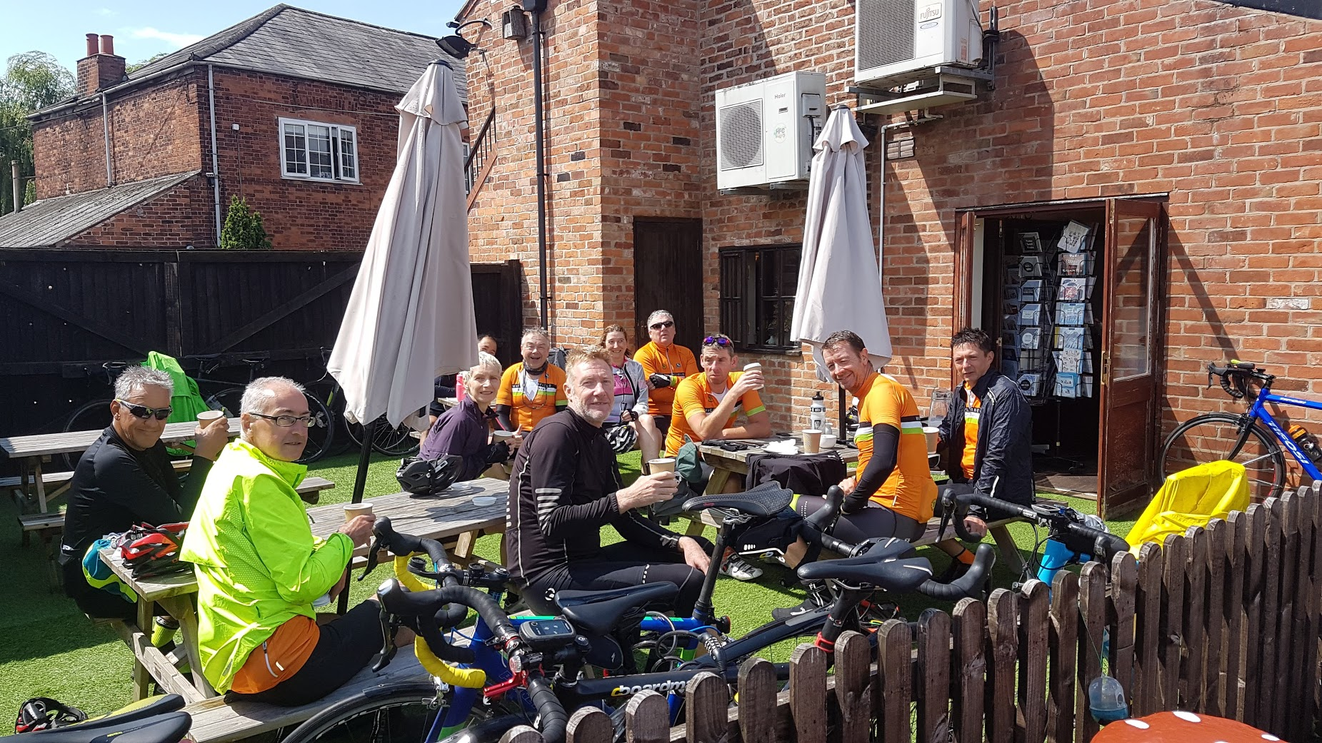Craig, Steve, Bennet, Janet, Mark H, Carl, Jill, Andrew, Christian, Mark B, Russell. Early bath: Mike C. Welcome to Jill and Mark H on their first Lark Rides.