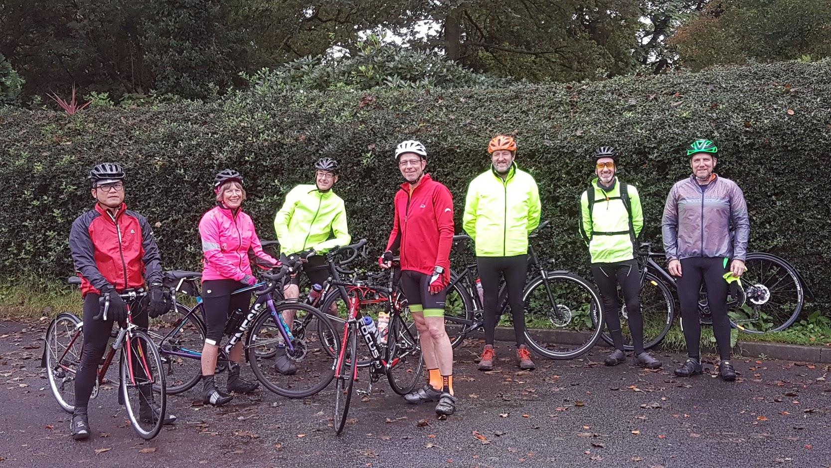 Larks n Larklings: Mike, Sue, Steve, Jochen, Simon, Jim, Stuart. Larks meeting us en route: Mark, Richard.
