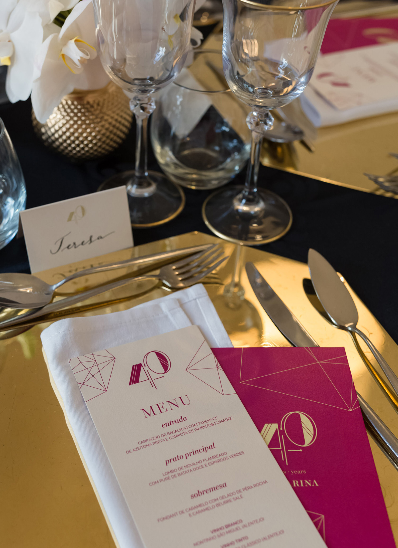 destination-wedding-stationery-table-setting