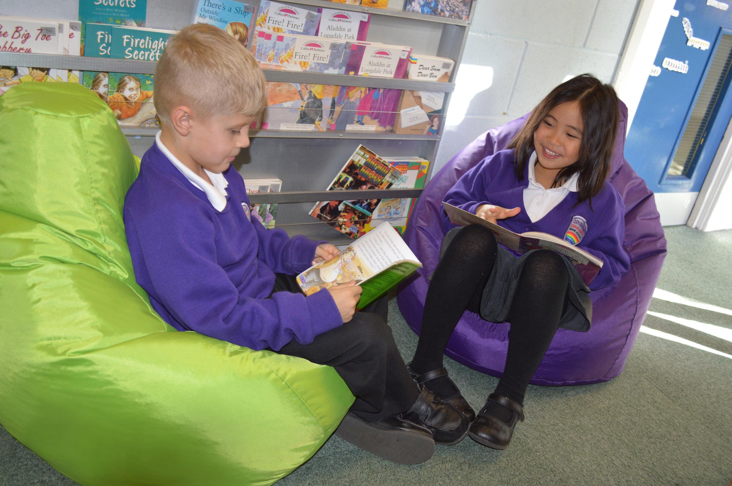 Eden-Kids-Reading-Pod-LF-300dpi-4.jpg